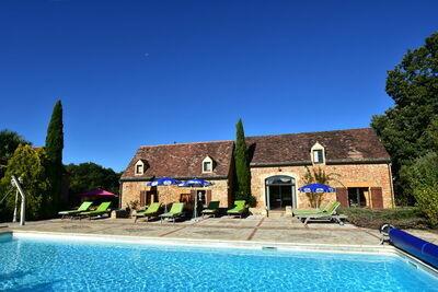 Belle maison de vacances avec piscine chauffée à Marminiac