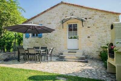 Maison paisible avec piscine située à Saint-Martin-le-Redon