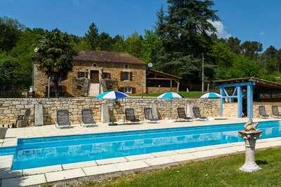 Belle maison de vacances avec piscine privée en Aquitaine