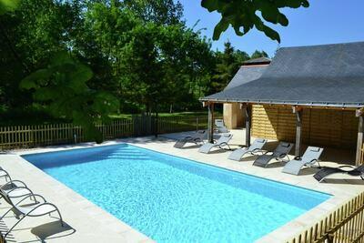 Maison de vacances confortable à Brion avec piscine