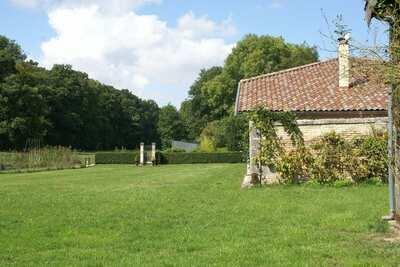 Maison avec piscine sur le domaine d'un château, Nettancourt