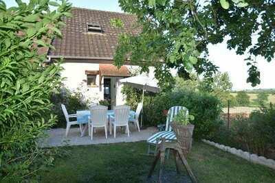 Maison de vacances paisible à Vignol avec piscine chauffée