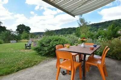 Maison de vacances moderne à Crux-la-Ville près du lac
