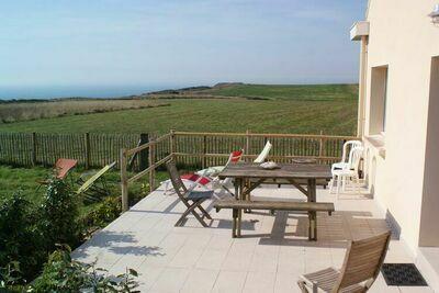 Merveilleuse maison de vacances à Audinghen avec jardin