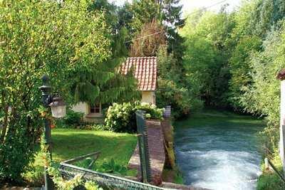 Maison ensoleillée sur une île avec jardin privé en Picardie