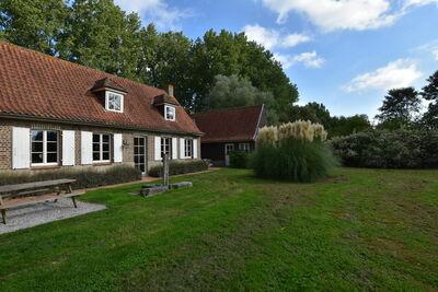 Belle maison de vacances avec sauna et jacuzzi à Saint-Omer
