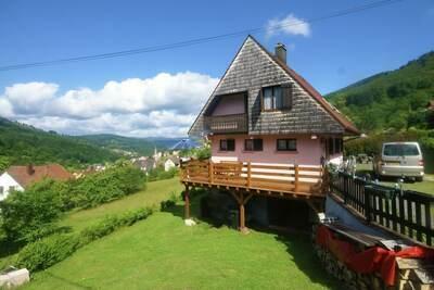 Confortable maison de vacances, jardin clôturé, à Natzwiller