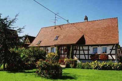 Maison de vacances confortable à Schleithal avec jardin