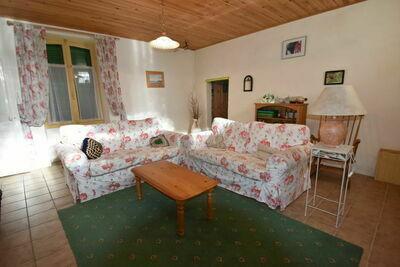Maison de vacances traditionnelle avec cheminée à Vanne