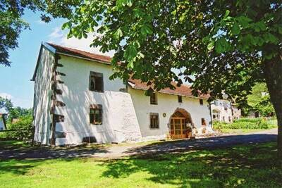 Maison de vacances spacieuse près de la forêt à Esmoulières