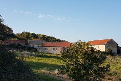Maison de vacances confortable en Bourgogne avec piscine