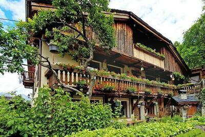 Chalet vintage à Peisey-Nancroix avec terrasse