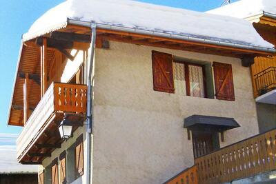 Joli chalet à Champagny-en-Vanoise près domaine skiable Paradiski