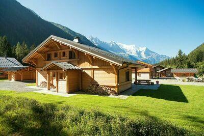 Luxueux chalet avec grand jardin à Chamonix