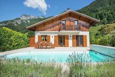 Villa isolée (Secluded Villa) à Biot avec piscine