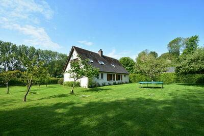 Maison de vacances spacieuse avec jardin en Normandie