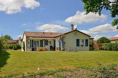 Villa indépendante avec grand jardin, près d'un beau golf