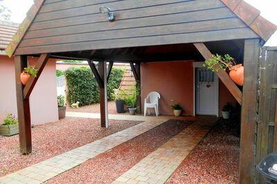 Maison confortable avec piscine privée à Folleville