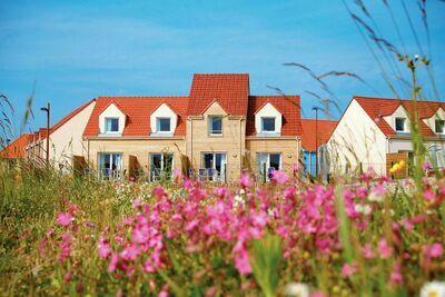 Charmante maison avec baignoire, située sur la côte normande