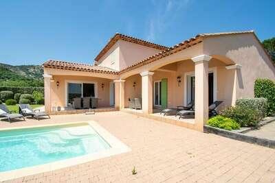 Maison de vacances cosy avec piscine au Plan-de-la-Tour