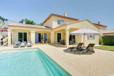 Deux maisons de vacances au Plan-de-la-Tour avec piscine