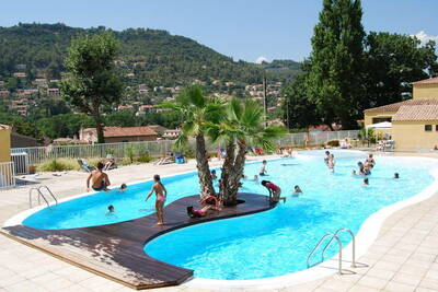 Charmant chalet avec climatisation, en Provence