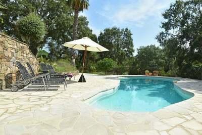 Villa paisible avec piscine privée à Cogolin