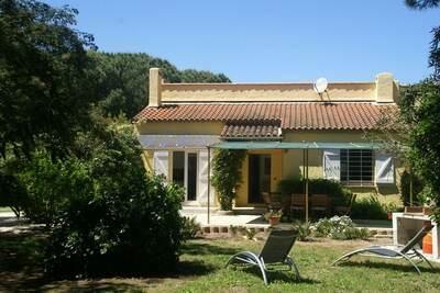 Maison de vacances confortable avec jardin à Ramatuelle