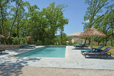 Villa moderne avec piscine à Montauroux France