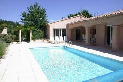 Villa de luxe avec jardin privatif en Provence