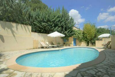 Maison de vacances spacieuse à Lorgues avec piscine