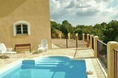 Villa de luxe à Cotignac en France avec piscine privée