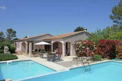 Magnifique villa à Bagnols-en-Forêt avec piscine