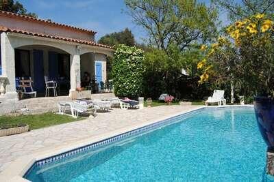 Superbe maison à Bagnols-en-Forêt avec piscine privée