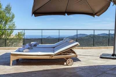 Villa de luxe aux Adrets-de-l'Estérel avec piscine