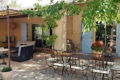 Luxueuse villa avec piscine privée à Aups