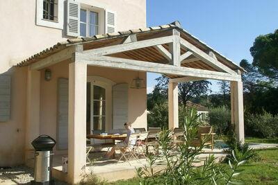 Villa de luxe à Salernes avec piscine