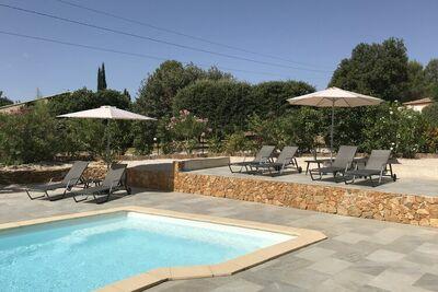 Villa moderne avec piscine privée à proximité des plages