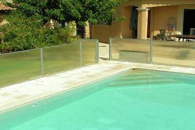 Chalet confortable à Carpentras, France, avec piscine