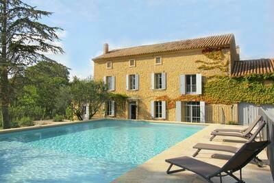 Mas de luxe avec piscine privée, situé au pied du Mont Ventoux