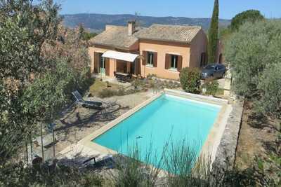 Maison de vacances haut de gamme avec piscine à Roussillon