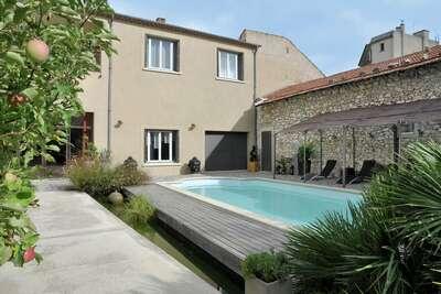 Belle villa avec piscine à Cavaillon