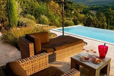 Villa contemporaine à Apt avec piscine privée