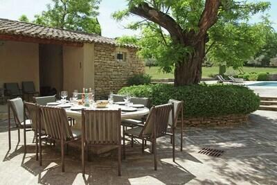 Jolie villa avec piscine privée à Oppède
