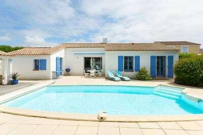 Villa luxueuse avec lave-vaisselle, à 3,5 km de la plage