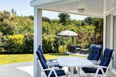 Villa luxueuse, joliment meublée, à 800 m de la mer.
