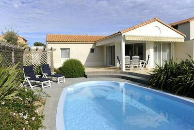 Villa luxueuse avec lave-vaisselle, à 800 m de la mer