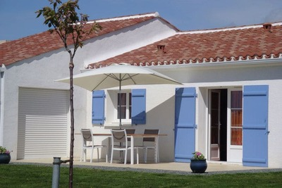 Maison de vacances moderne à Avrillé avec jardin
