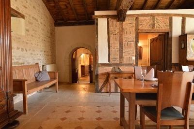 Belle maison de vacances avec piscine privée à Thurageau