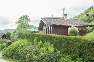 Chalet au milieu de la Bresse avec terrasse